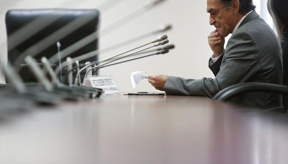 El congresista Héctor Becerril preside la Comisión Madre Mía. (Foto: USI)