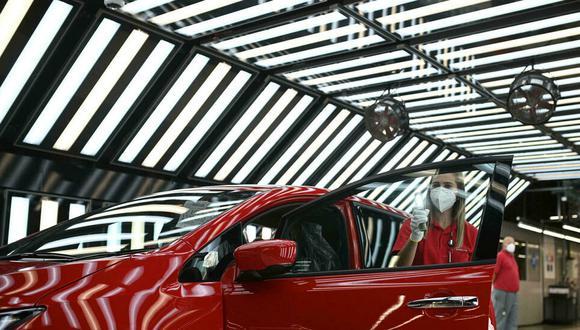 Nissan prevé invertir hasta 423 millones de libras (US$ 585 millones) en la fabricación de este vehículo totalmente eléctrico y las autoridades municipales de Sunderland aportarán el resto. (Foto: AFP)