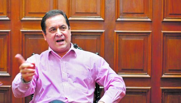 El secretario general de Alianza para el Progreso (APP), Luis Iberico, afirmó que el JNE debió continuar con la ampliación de plazo para la presentación de nulidad de actas.