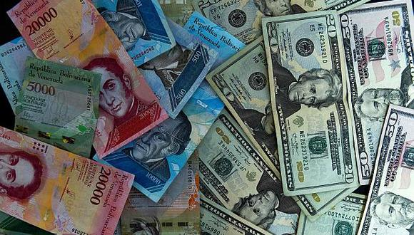 El cese a las restricciones cambiarias es parte de la reforma lanzada por el presidente Nicolás Maduro frente a la crisis en Venezuela. (Foto: AFP)