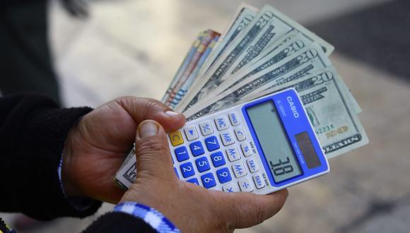 En la víspera el tipo de cambio cerró en el nivel histórico de S/ 3.93 tras venta de US$ 253 millones por el BCR. (Foto: GEC)