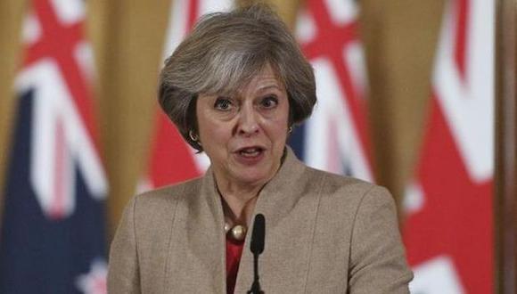 """Theresa May aseguró que sus conversaciones con los dirigentes europeos sobre el acuerdo del Brexit fueron """"robustas"""" y confió en que será posible obtener """"garantías"""".(Foto: EFE)"""
