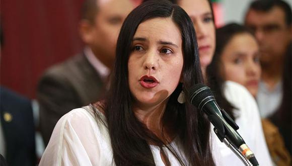 Verónika Mendoza criticó a Alan García al conocer que solicitó asilo político en Uruguay. (Foto: Agencia Andina)