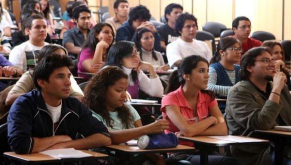 Más de 800 instituciones aún no inician proceso para poder licenciarse, según el Ministerio de Educación. (Foto Referencial)