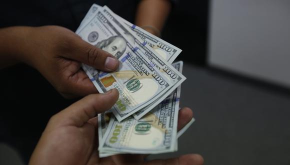 El dólar cerró a la baja el miércoles. (Foto: Hugo Pérez   GEC)