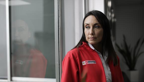 Bono. La ministra Donayre afirmó que ya no debería haber aglomeraciones para cobrar el bono universal. (Foto: GEC)