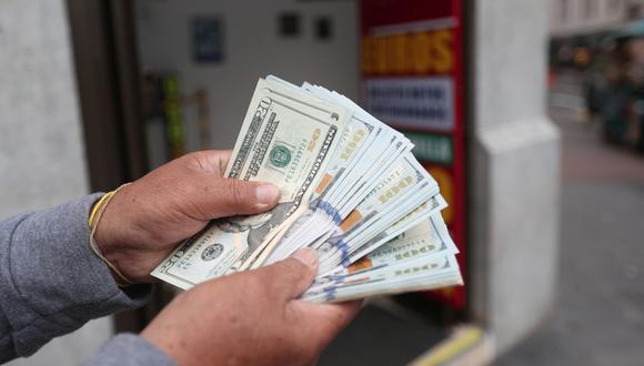 El dólar ya se cotiza por debajo de los S/ 4 en el mercado interbancario. (Foto: Jesus Saucedo / GEC)