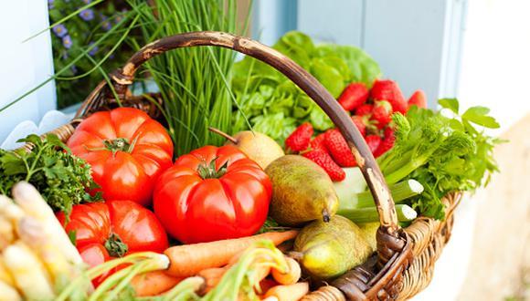 """""""Seguir la dieta mediterránea tradicional significa que consumes diferentes nutrientes y fitonutrientes"""", dice el especialista. (Foto: Getty Images)"""
