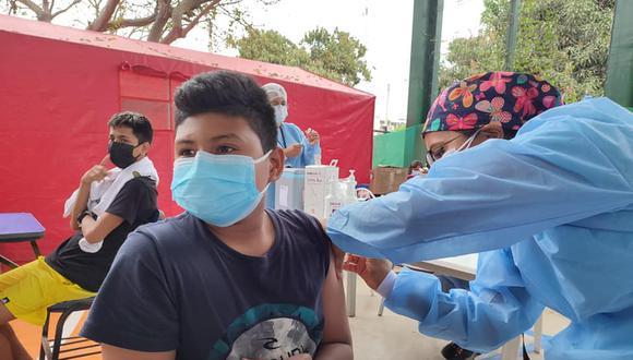 Vacunación contra el COVID-19 para niños y adolescentes de 12 a 17 años inició el último martes en Tumbes. Foto: Gore Tumbes
