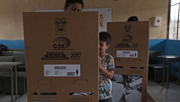 El voto en Ecuador es obligatorio para los ciudadanos entre 18 y 65 años. (Foto: Juan Cevallos / AFP)