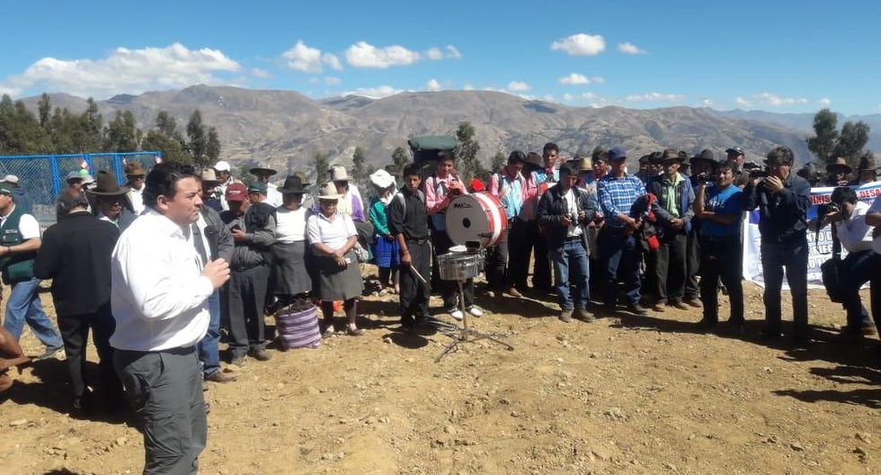 El viceministro Pablo Araníbar inauguró el sistema de riego del sector Canishpampa (Huaraz), que beneficiará a 90 familias.