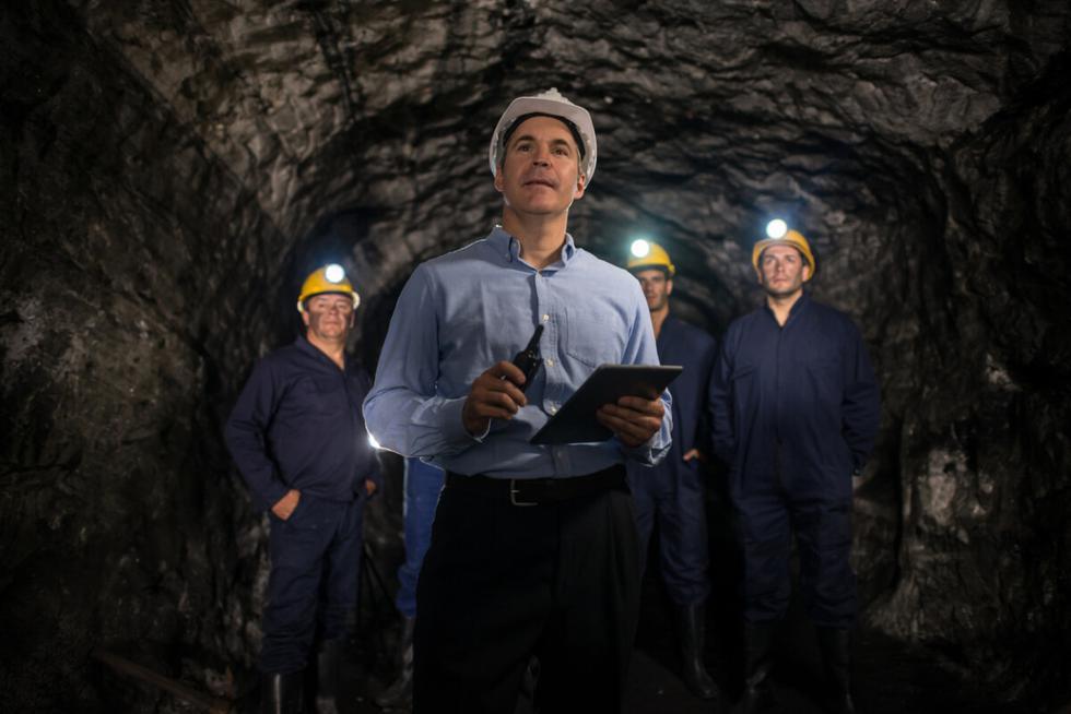 La idea es aprender y enseñar en equipo. Hoy existe una predominancia de las competencias STEM (ciencia, tecnología, ingeniería y matemáticas) las cuales deben combinarse con el arte y la creatividad para ofrecer soluciones innovadoras en las operaciones mineras. (Foto: iStock)