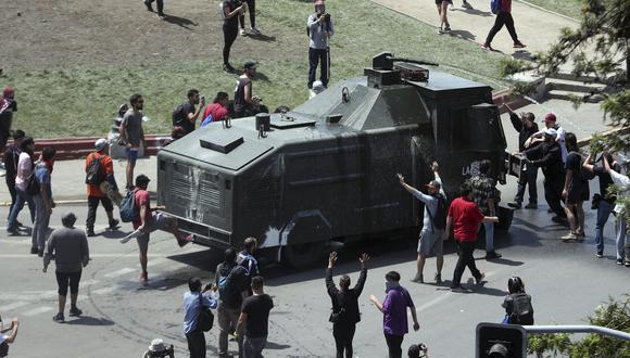 """Para los expertos en movimientos sociales, los manifestantes han aprendido del fracaso de las protestas estáticas como """"Occupy Wall Street"""" en Nueva York en el 2011, más fáciles de controlar por la policía. (Foto: AP)"""