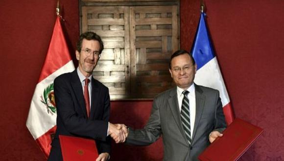 Embajador de Francia en el Perú, Antoine Grassin y canciller Néstor Popolizio (Fuente: Ministerio de Relaciones Exteriores).
