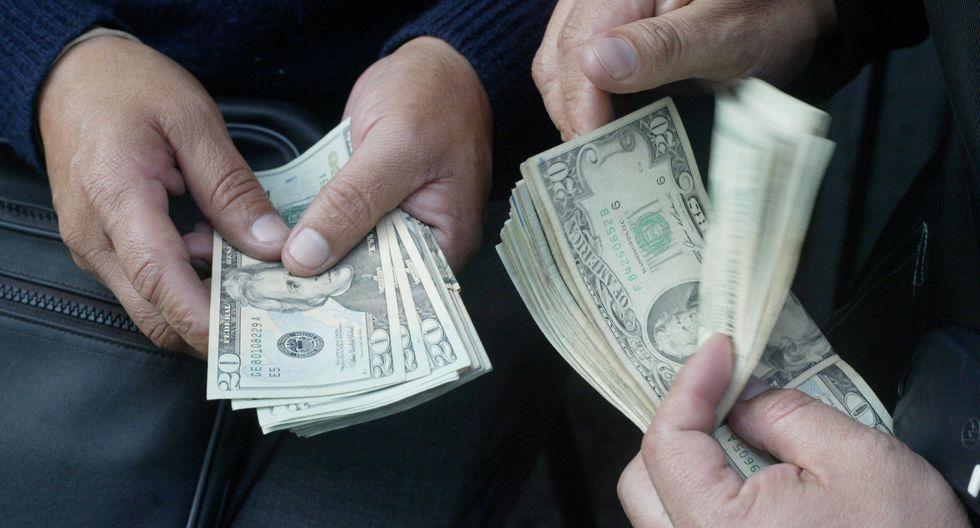En el mercado paralelo o casas de cambio de Lima, el tipo de cambio cerró a S/ 3.34 la venta. (Foto: GEC)