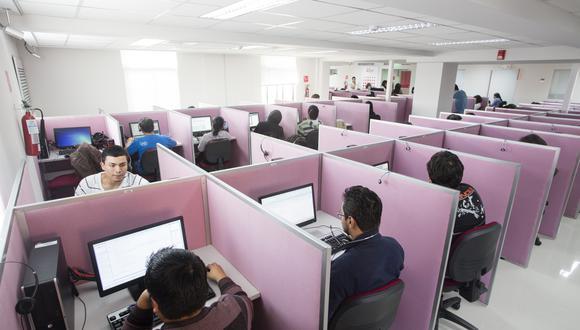 Call centers vienen trabajando en areas esenciales somo atencion a servicios de salud, consumo de agua, electricidad y alimentos. (Foto: GEC)