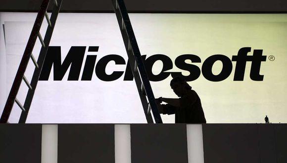Cuando la demanda fue mayor durante la pandemia, Microsoft redujo la velocidad o desactivó funciones no esenciales, como una en su aplicación de chat Teams que muestra a los usuarios si la persona con la que están chateando está redactando una respuesta.