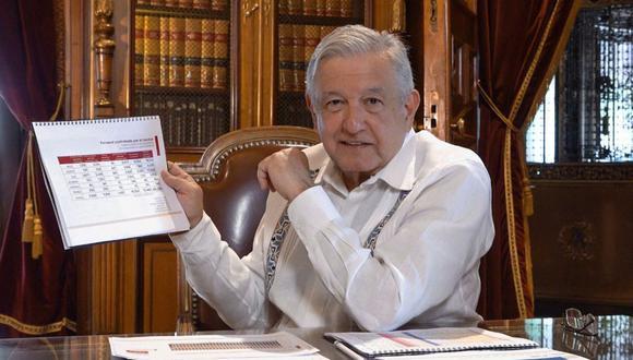 Fotografía cedida este domingo por la Presidencia de México que muestra al mandatario Andrés Manuel López Obrador, durante un mensaje en Palacio Nacional de Ciudad de México. (EFE/Presidencia de México).