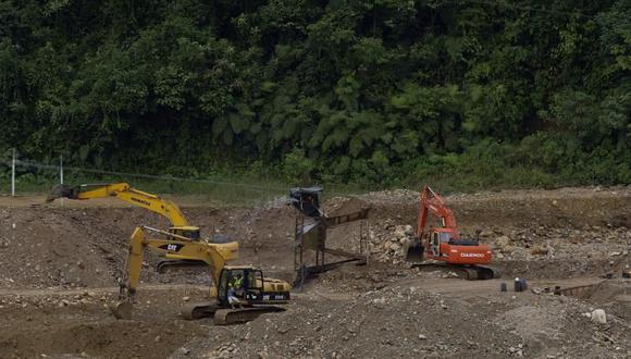"""La minería es una """"amenaza"""" cada vez mayor para los ecosistemas y las comunidades de todo el mundo, ante la demanda cada vez creciente de minerales, que pone en peligro por sus impactos a 1,131 territorios indígenas de la cuenca amazónica, según WRI."""
