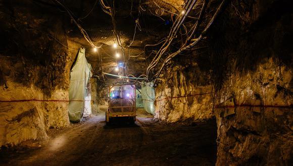El impacto en el suministro que puedan tener las negociaciones laborales en Chile, país que representa un cuarto del cobre mundial extraído, está dando respaldo al repunte –impulsado por la demanda– del cobre a máximos de siete años. Foto: Waldo Swiegers/Bloomberg