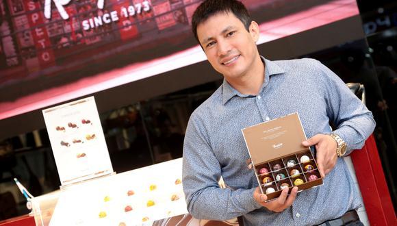 """""""La próxima semana comenzaremos abriendo los primeros cinco módulos de chocolatería premium"""", dijo Renzo Costa. (Foto: Diana Chávez)"""