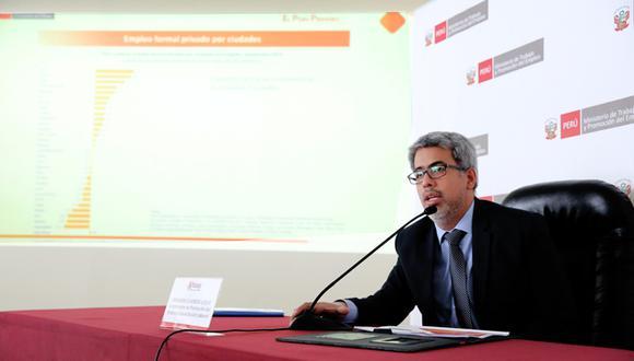 El viceministro de Promoción del Empleo, Fernando Cuadros, dio una conferencia de prensa. (Foto: Difusión)
