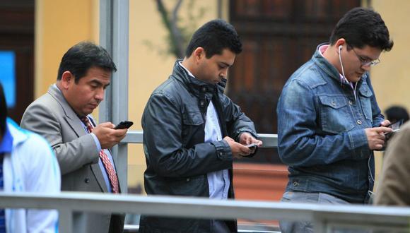A fines de junio 2021 se observaron casi 27.5 millones de líneas móviles que accedieron a internet. (Foto: GEC)