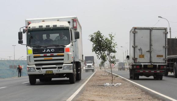El incremento del ISC a los combustibles afectará el flete del transporte, según Adex. (Foto: Difusión)