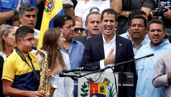 Guaidó habló ante decenas de simpatizantes que acudieron a una plaza del este de Caracas a brindarle su apoyo tras su regreso a Venezuela. (Foto: Reuters)