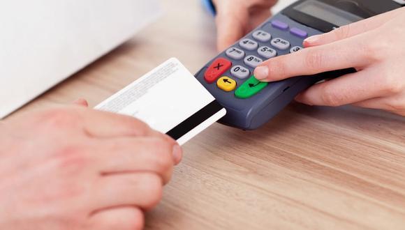 FOTO 4 | 4. Paga tu tarjeta de crédito  Si estás tratando de ahorrar mientras tienes al mismo tiempo un saldo grande en tu tarjeta de crédito, a un interés de, por ejemplo, el 19.8%, piensa que liquidar la deuda representa un retorno garantizado de casi el 20%. Una vez que hayas pagado tus tarjetas de crédito, úsalas solamente para tu comodidad, y paga el saldo por completo todos los meses. (Foto: Difusión)