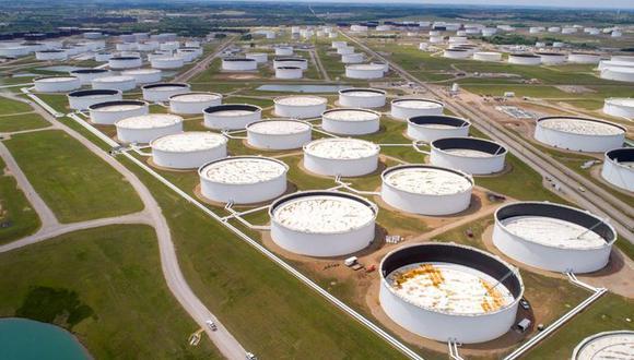 """""""La suma de todos los inventarios de crudo y productos derivados del petróleo en esos lugares experimentó un aumento en marzo, un gran cambio con respecto a enero y febrero, con grandes caídas de las existencias"""", señaló. (Foto:  REUTERS)"""