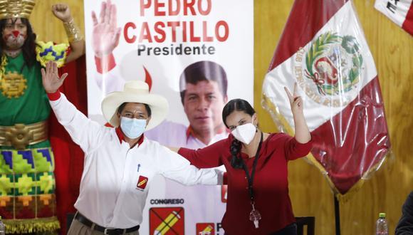 Pedro Castillo y Verónika Mendoza sellaron una alianza política de cara a la segunda vuelta de las Elecciones 2021. (Foto: César Bueno @photo.gec)
