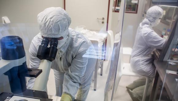 Se trata de la primera vacuna que llega a fase de pruebas clínicas en Japón, mientras que a nivel global hay en torno a una decena de fármacos de este tipo que ya han comenzado a probarse en humanos. (Foto referencial)