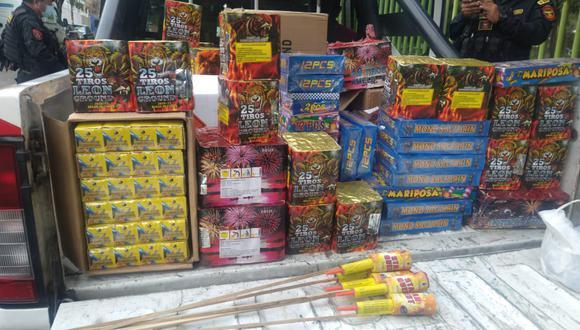 Sucamec advirtió que multarán a personas que compren o vendan pirotécnicos en Navidad. (Foto: Policía)