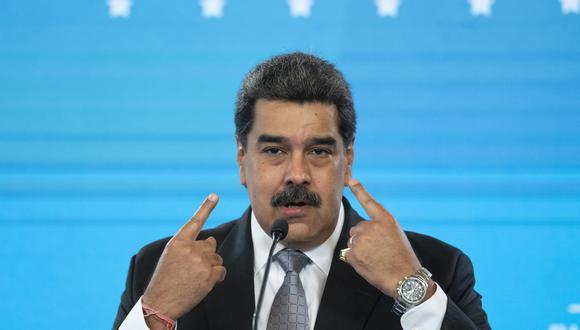 Venezuela se prepara precisamente para los comicios de alcaldes y gobernadores el 21 de noviembre, que Maduro se ha comprometido a respetar, buscando recuperar reconocimiento internacional. (Photo by Yuri CORTEZ / AFP)