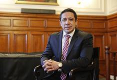 Congresista Miguel Castro pasó parte de su semana de representación en el gimnasio en Lima