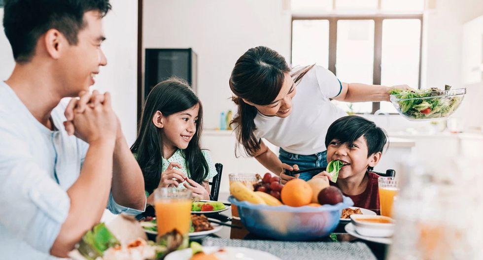 FOTO 2 |  Comienzo del día con un desayuno saludable (actividad en el campo de la alimentación)(Foto: iStock)