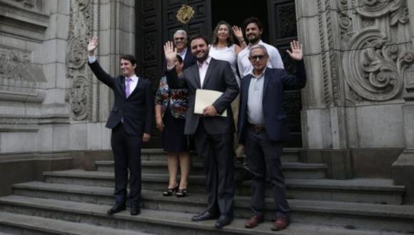 Bancada del Partido Morado y virtuales legisladores para el próximo período emiten comunicado de respeto a la voluntad popular. (Foto: GEC)
