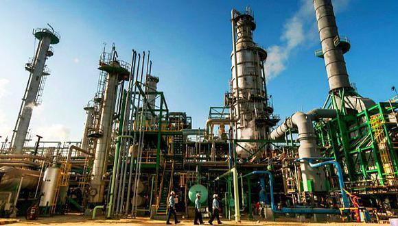 Bloomberg. Industria petrolera está lidiando con un menor gasto y esporádicas interrupciones. (Foto: Difusión)