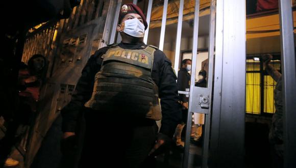 La diligencia de detención preliminar por siete días, descerraje y allanamiento se realizó esta madrugada en La Molina, San Miguel, Breña y Magdalena. (Foto: GEC)