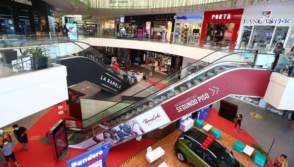 La mayoría de locatarios están endeudados con los centros comerciales. (Foto: Alessando Currarino/GEC).