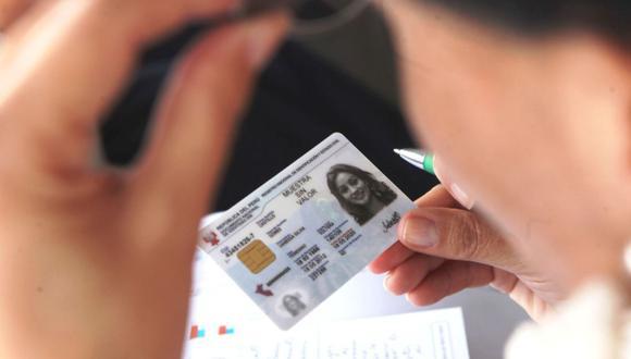 Para acceder a la modificación o cambio de ciertos datos en su DNI deberá pagar una tasa. Esta dependerá del trámite que se desee hacer, de su edad y si tiene DNI electrónico o DNI azul o amarillo. (Foto: Andina)