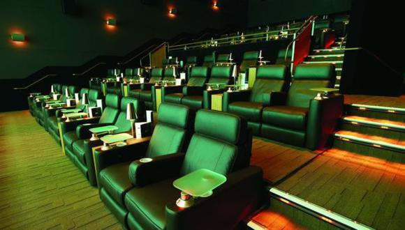 Cines cerrados hasta no encontrar un punto medio entre las empresas del sector y el gobierno. (Foto: Difusión )