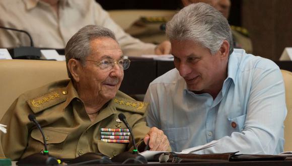Miguel Díaz-Canel sucedió a Castro y en octubre del 2019 fue ratificado como presidente bajo la nueva Constitución.