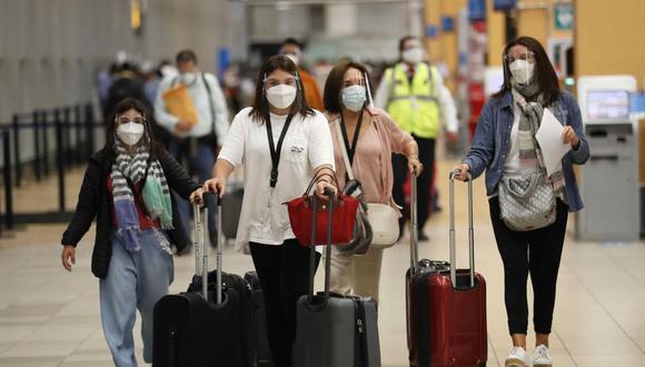 En los primeros días de mayo, más de 16,000 peruanos llegaron a los Estados Unidos. (Foto: EFE)