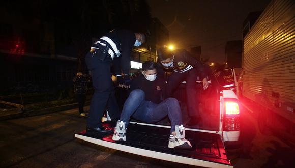 Región Policial Lima informó que impuso 750 papeletas de S/430 a las personas que incumplieron el nuevo horario del toque de queda que rige desde el viernes 15 de enero. (Foto: César Grados/GEC)