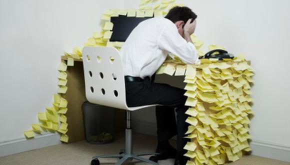 La OMS reconoce que el burnout o el síndrome de desgaste profesional es una enfermedad producida por estrés laboral y que se ha visto acentuada en pandemia. (Foto: Getty Images)
