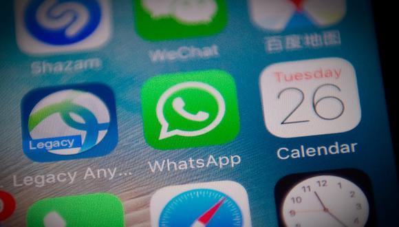 Desde 2014 WhatsApp pertenece a Facebook, después de que Marck Zuckerberg la adquiriese por 21.800 millones de dólares.