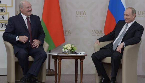 Alexander Lukashenko y Vladimir Putin. Putin siempre hiló muy fino en Bielorrusia, consciente de la importancia geopolítica del país para la seguridad estratégica de Rusia ante el avance de la OTAN.  (Foto: Getty Images)