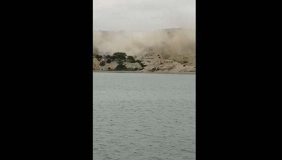 Una nube de arena se expandió por la playa de Colán en Piura, tras el sismo de 6,1 de magnitud. (Foto: Captura Twitter).